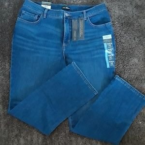 ✏✏✏Lee Jeans Size 16 short